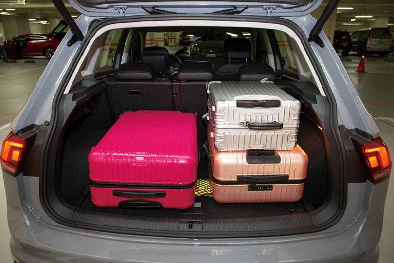 行李廂標準容積為615公升,配合座椅傾倒,最大可至1,655公升。(圖/黃耀徵攝)