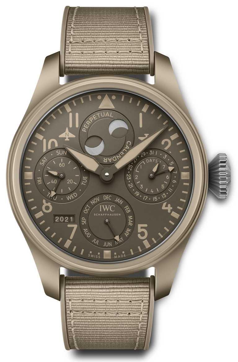 IWC「大型飛行員」系列,Top Gun海軍空戰部隊萬年曆腕錶,「莫哈韋沙漠」特別版,限量150只╱1,092,000元。(圖╱台北101提供)