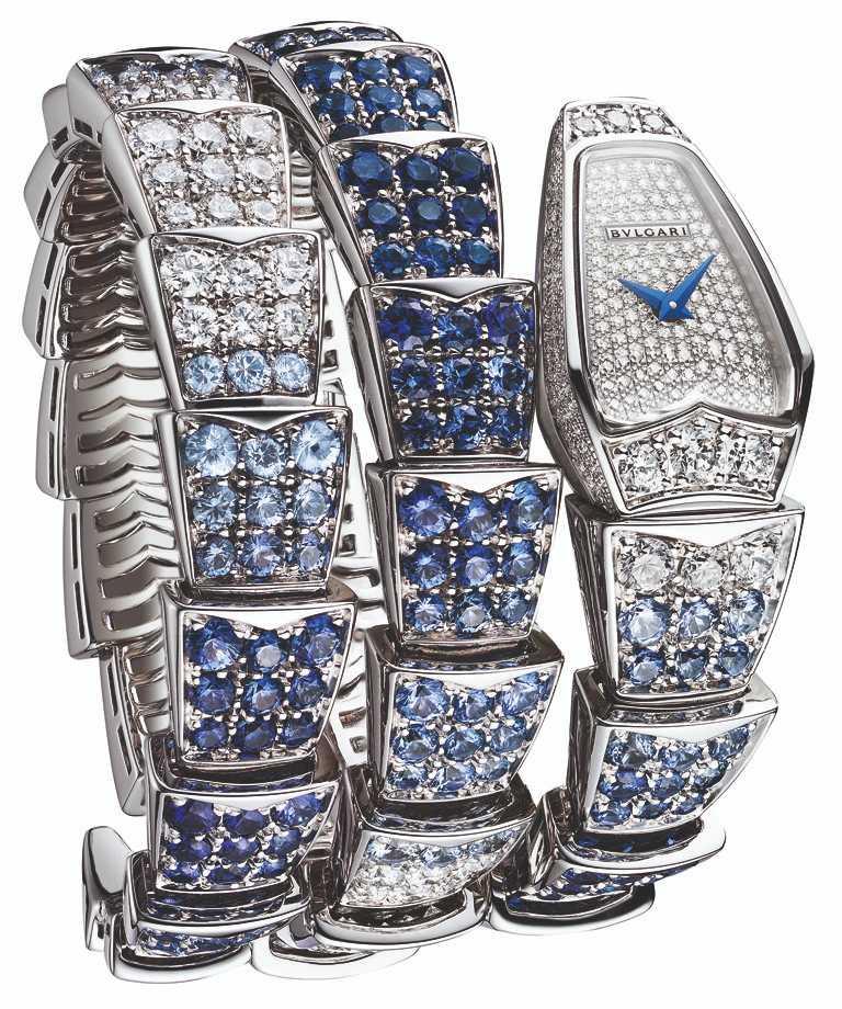 BVLGARI「Serpenti Viper Blue Color Wave」腕錶╱4,148,000元。(圖╱台北101提供)