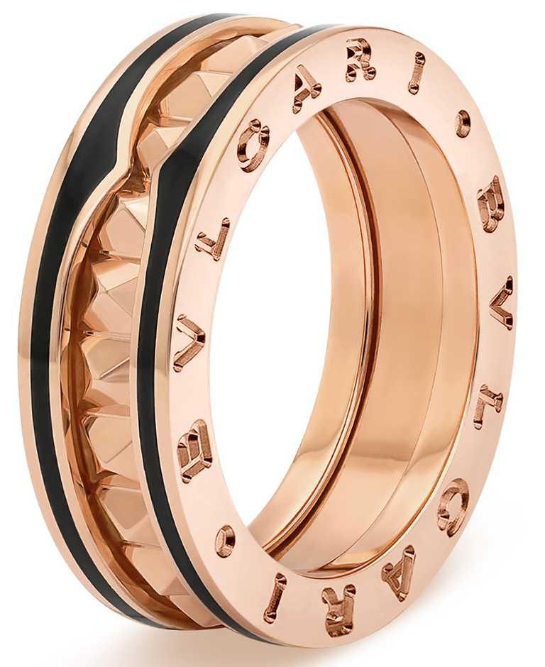 BVLGARI「B.zero1 Rock」系列,玫瑰金黑陶瓷單圈戒指╱64,200元。(圖╱BVLGARI提供)