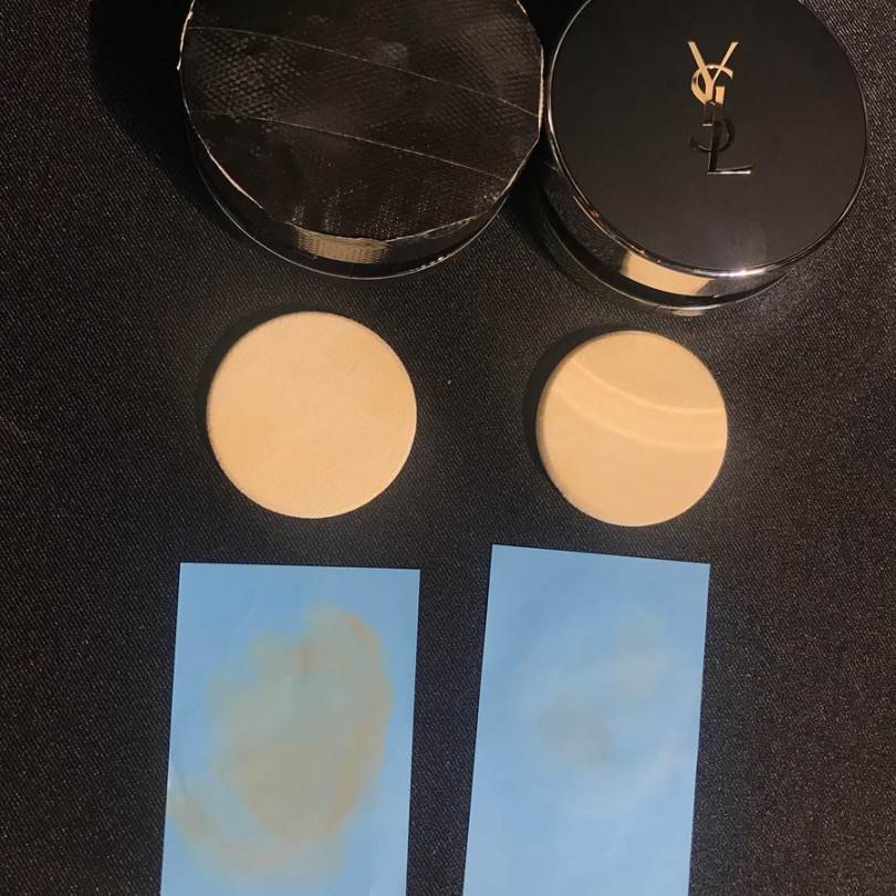測試用粉撲拍在已經上過妝的皮膚上,然後非常用力的按壓四下,他牌特霧氣墊(左邊)的粉撲沾染許多粉底,但YSL 恆久完美特霧氣墊粉餅則是則是完全沒沾染任何粉底