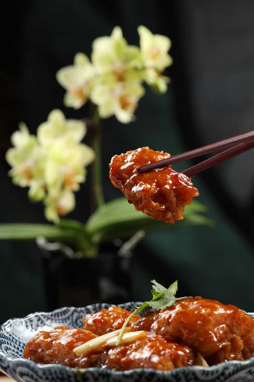 「XO醬蝦漿油條」鮮甜的鮮蝦與香酥的油條,迸出美妙的口感火花(320元) 。(圖/于魯光攝)