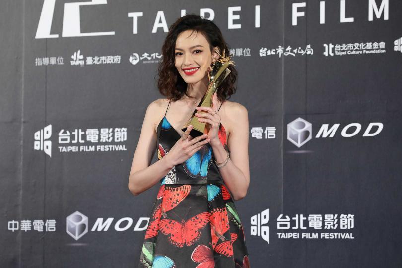 姚以緹以《江湖無難事》拿下最佳女配角獎。
