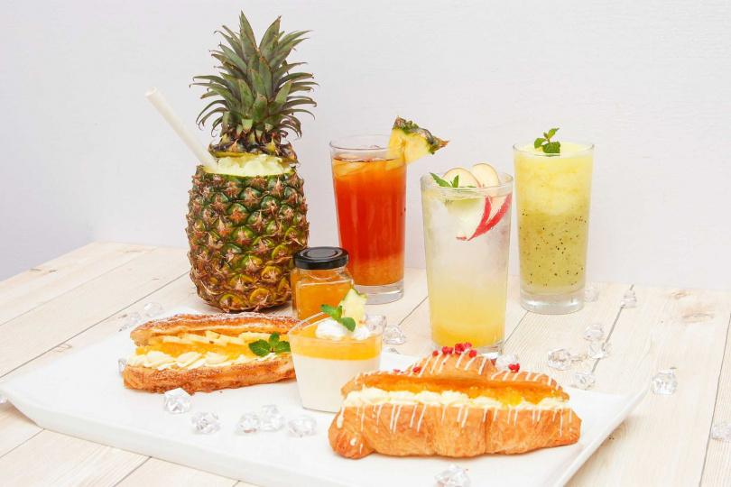 六福村主題遊樂園的各式創意鳳梨鮮果飲。(圖/六福旅遊集團提供)