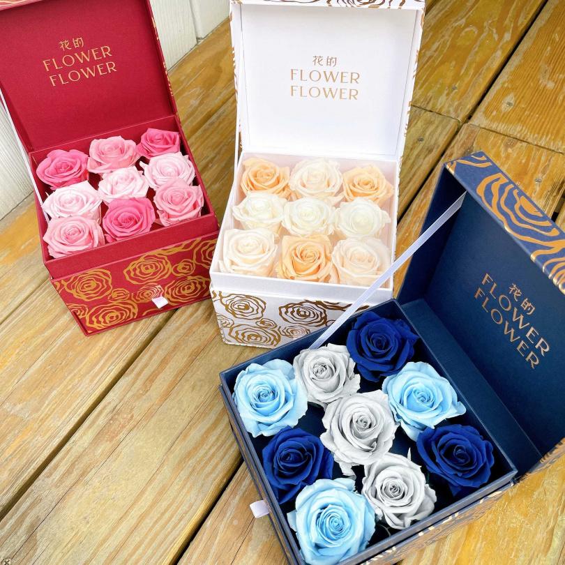 三款哥倫⽐亞永恆玫瑰花花禮,各款/3800元。