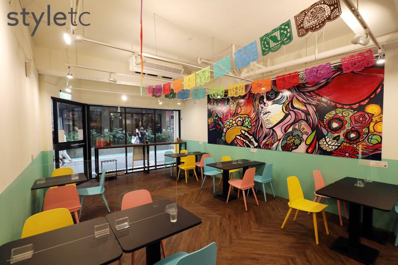 有著大面藝術牆的MASA二店,提供更寬敞的用餐空間。(圖/于魯光攝)