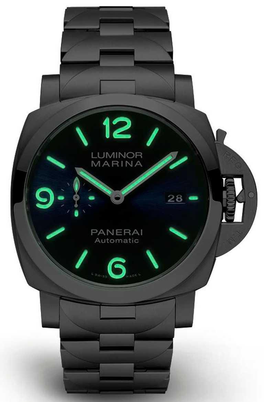 時標與指針皆覆以Super-LumiNova夜光塗層,能在黑暗中散發綠色夜光。(圖╱PANERAI提供)