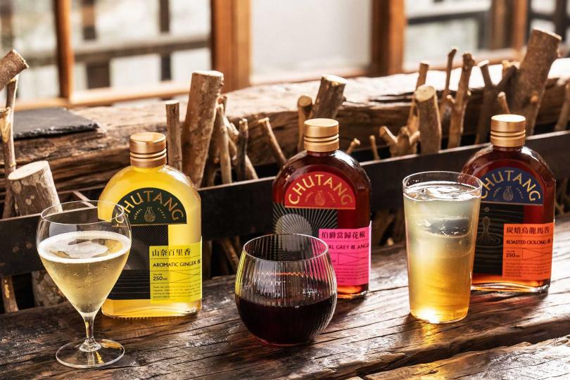 「一時無酉」以無酒精基酒與本草糖露打造三款限定調飲。(圖/發現故事提供)
