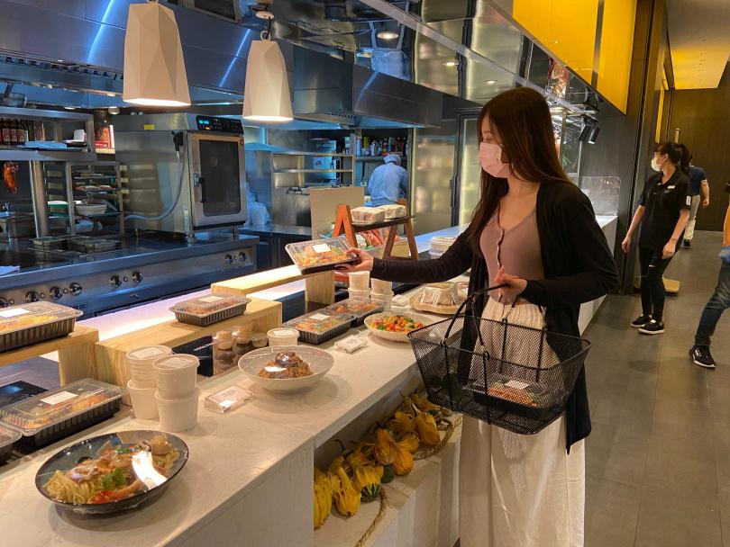 探索廚房自助餐廳仍維持「美麗廚房」外帶賣場。(圖/台北寒舍艾美酒店提供)