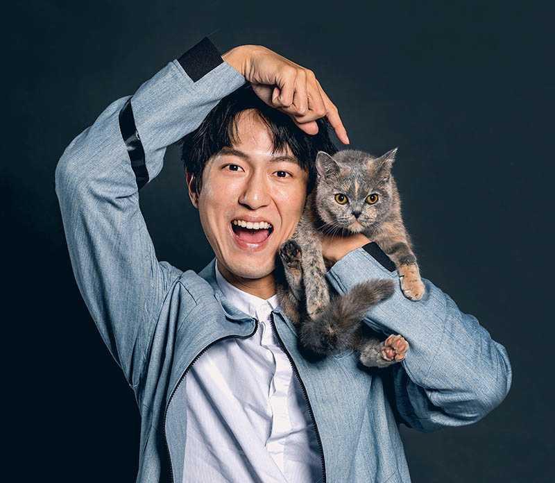 邱昊奇表示,貓咪是他的精神支柱,給予他莫大的療癒感。(圖/張祐銘攝)