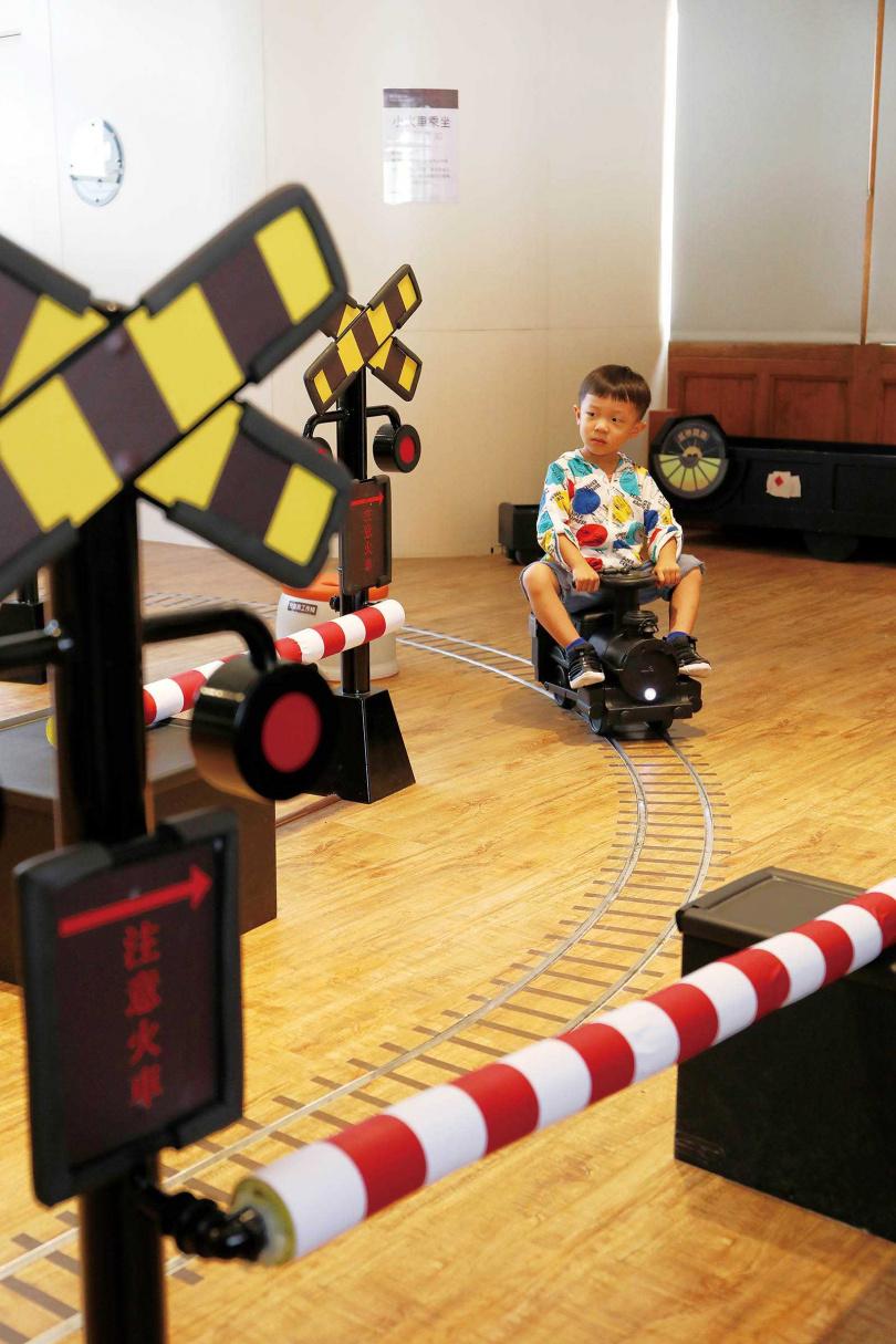 專為學齡前兒童打造的展區,備有載貨小火車讓孩子們乘坐。(圖/于魯光攝)