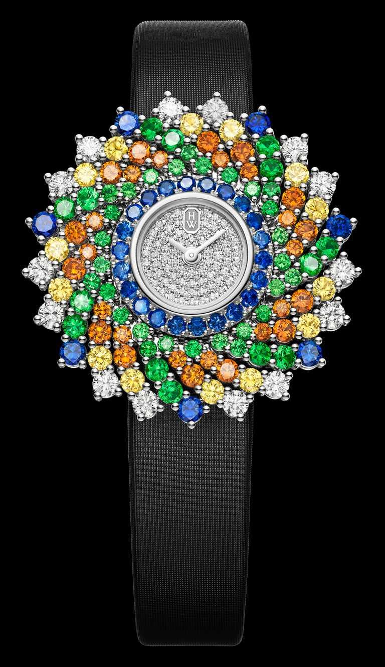 HARRY WINSTON「Kaleidoscope萬花筒」系列頂級珠寶時計,36mm,鉑金錶殼,石英機芯,鑽石114顆,彩色寶石113顆╱4,120,000元。(圖╱HARRY WINSTON提供)