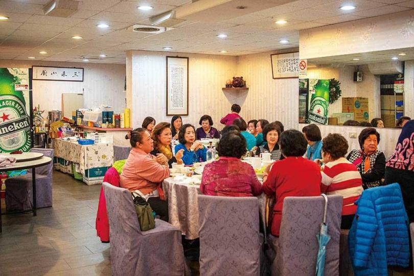 「三禾小廚‧私房菜」的長輩客群不少,有部分從最初開店時便一路相挺。(圖/焦正德攝)