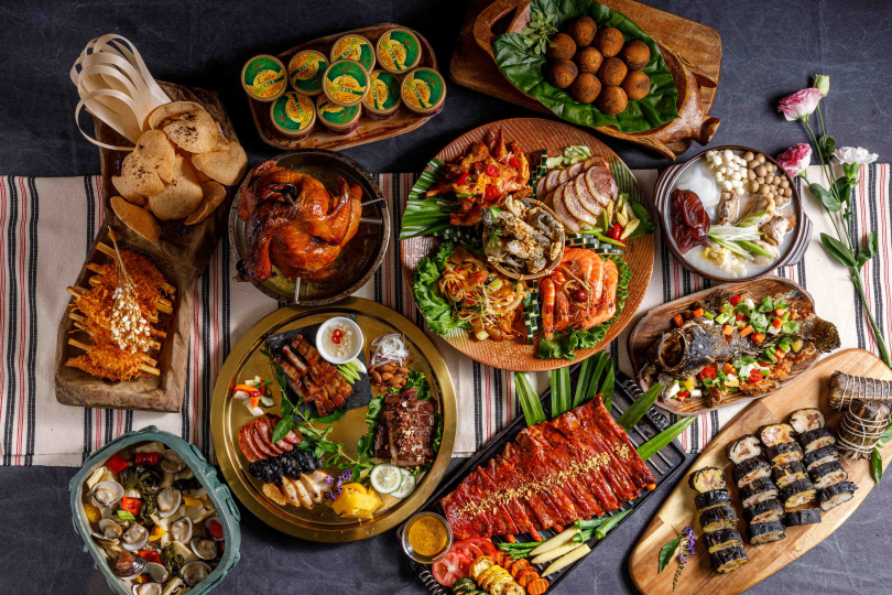 「年度寵媽饗味餐」售價8,888元+10%。(圖/芭達桑原住民主題餐廳提供)