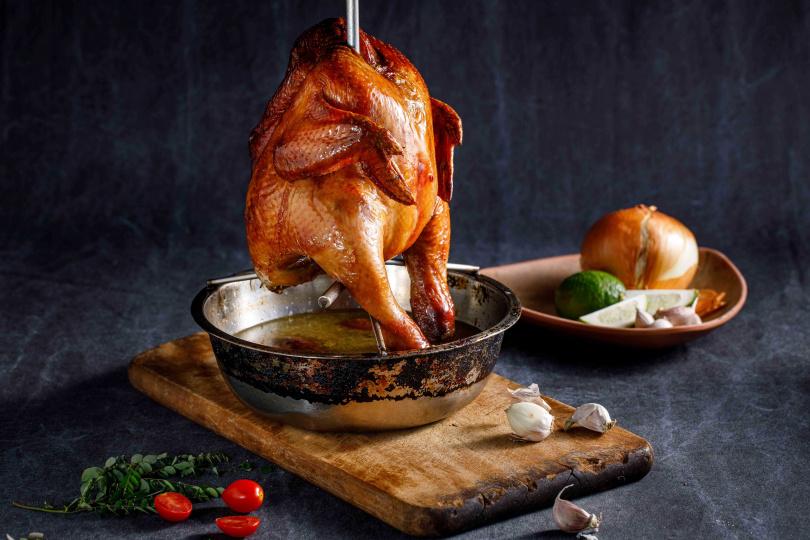 「風林火山脆皮雞」。(圖/芭達桑原住民主題餐廳提供)