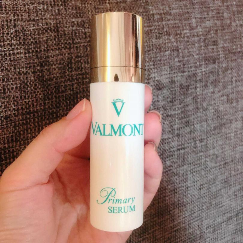 奕舒柔敏修護精華則是幫助修護肌膚,改善脆弱泛紅、皮膚薄、微血管明顯的肌膚,非常適合醫美術後使用。(圖/黃筱婷攝影)