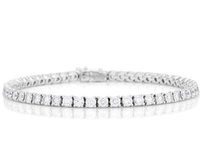 DE BEERS「DB Classic」系列,18K白金鑲嵌圓形明亮式鑽石單行手鍊╱6,800,000元。(圖╱DE BEERS提供)