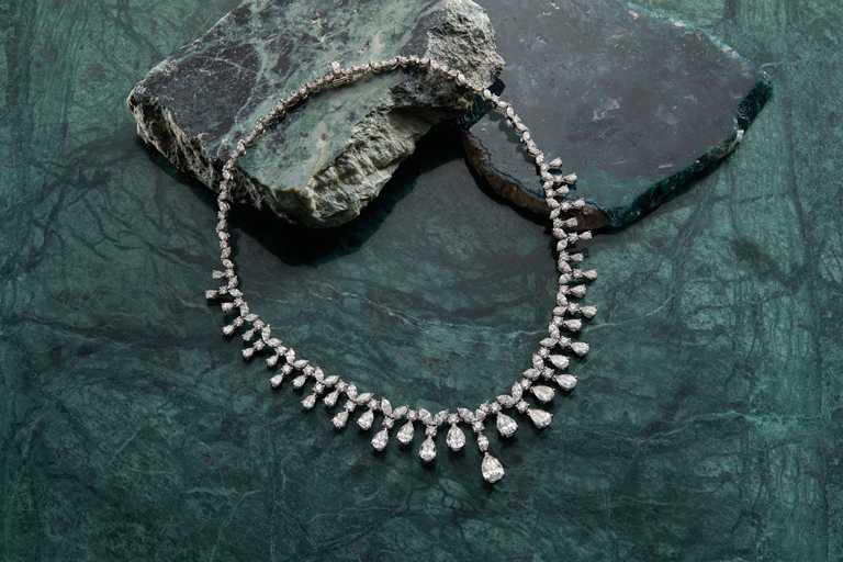 DE BEERS「Assana」系列高級珠寶,鑽石項鍊╱15,850,000元。(圖╱DE BEERS提供)