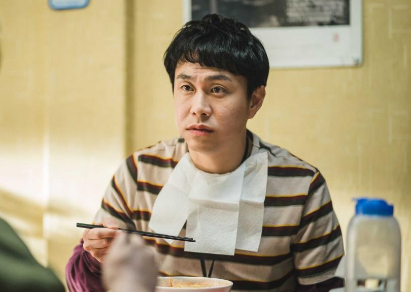 哥哥「文尚泰」由實力派演員吳政世飾演。(圖/Netflix提供)