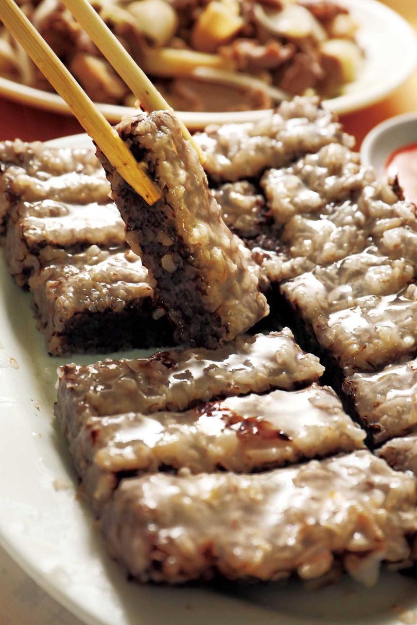 老闆最推薦的「鵝米血」是必點小菜。(30元)(圖/于魯光攝)