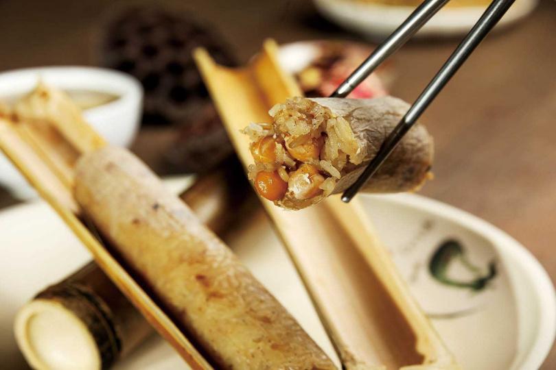 「蓮子竹筒飯」竹香四溢,還吃得到蓮子的鬆軟甘甜。(單點七○元)(圖/焦正德攝)