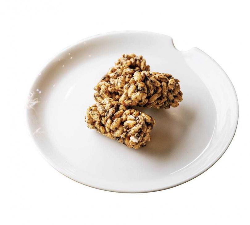 以法式作法詮釋中式甜點的「食米乓」,以花蓮富里天賜良米有機糙米製作,風味絕佳。(共有9種口味,880元/盒)(圖/宋岱融攝)