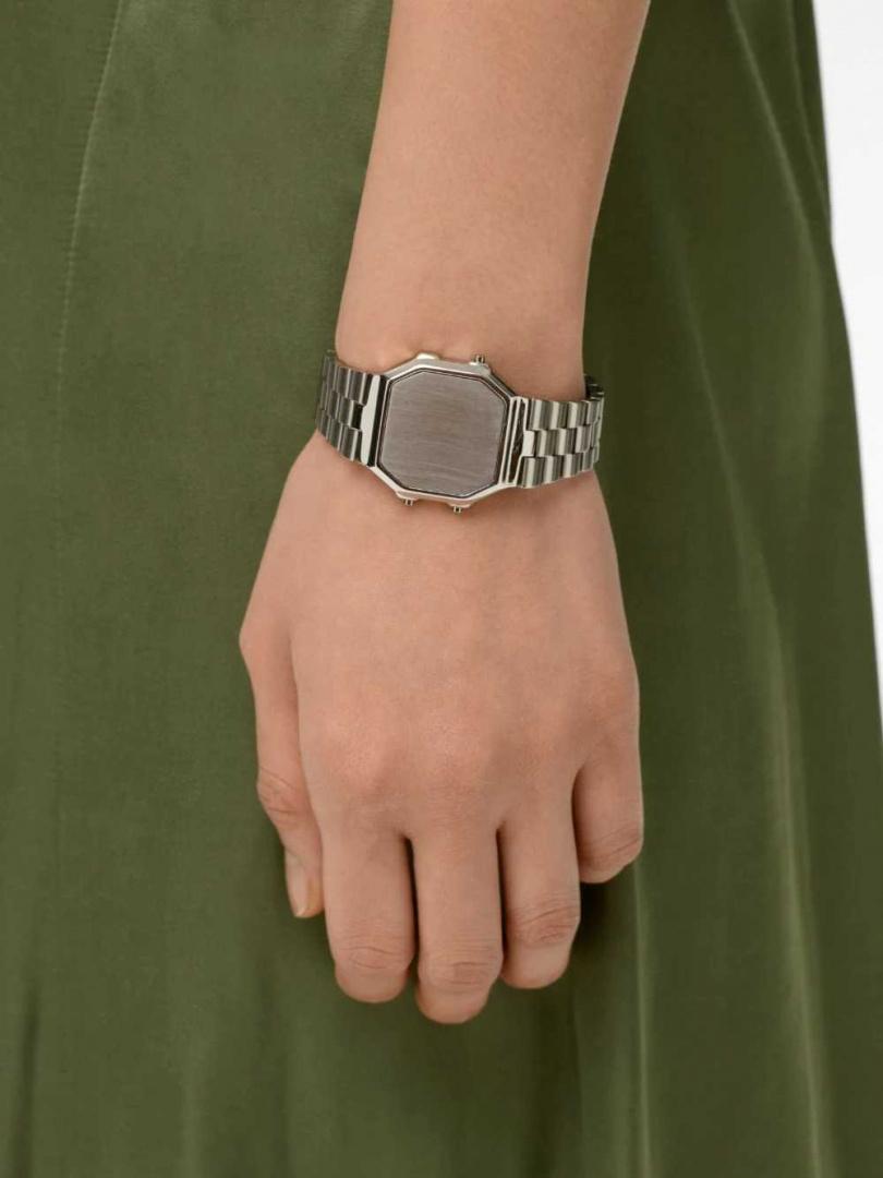 圖片來源:www.ambushdesign.com
