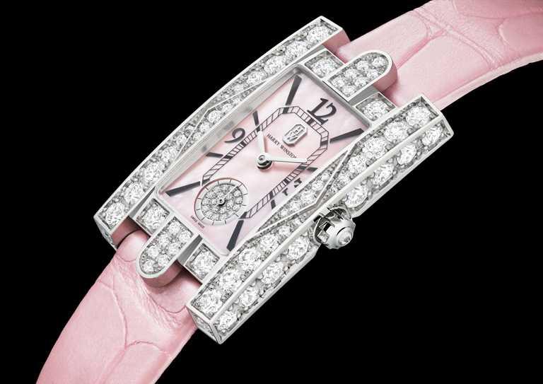 HARRY WINSTON「Avenue Classic第五大道」系列「Aurora Pink」粉紅腕錶╱1,460,000元。(圖╱HARRY WINSTON提供)