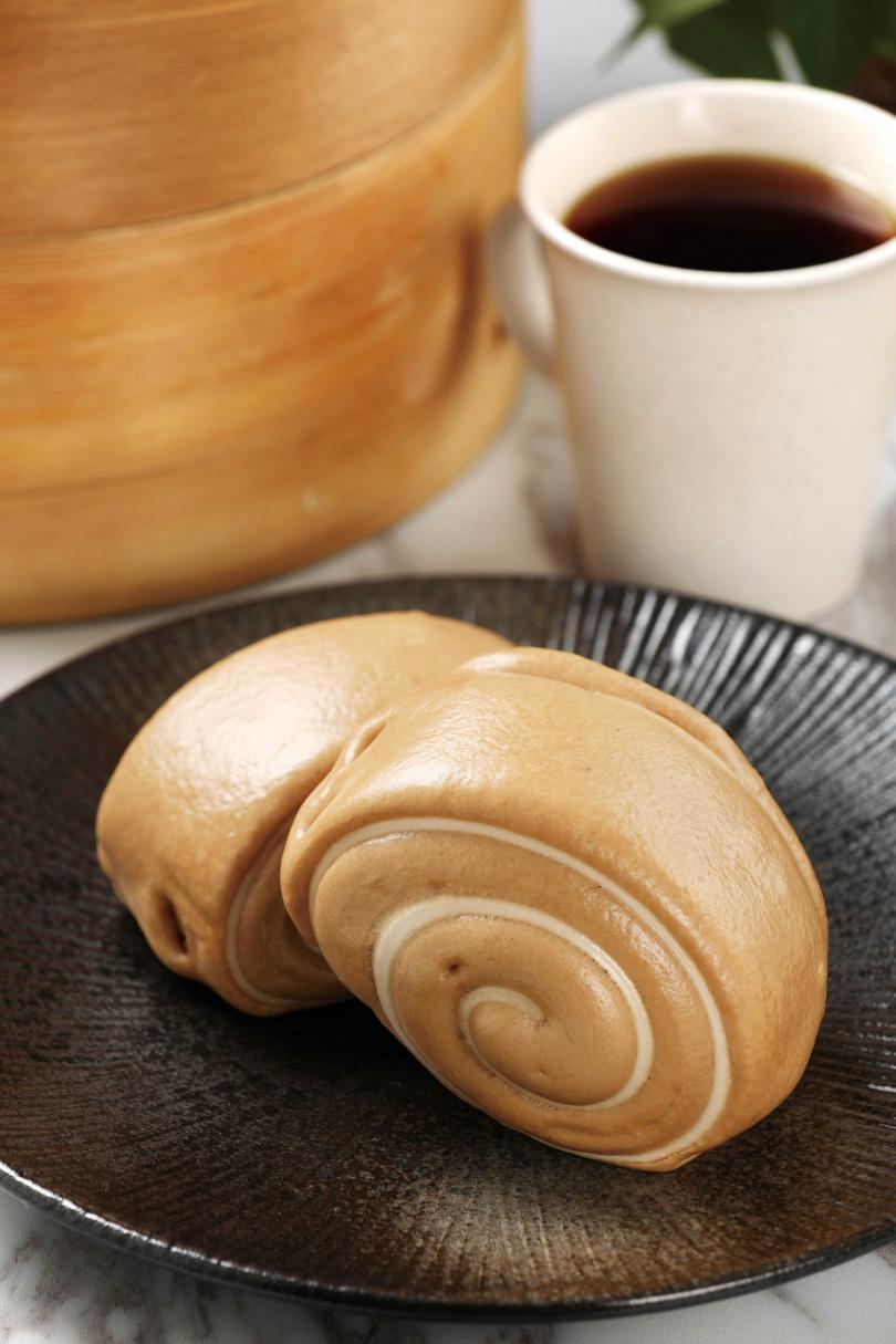 「天然棕櫚糖饅頭」採用優質棕櫚糖製作,避免造成健康的負擔。(20元/個)(圖/于魯光攝)