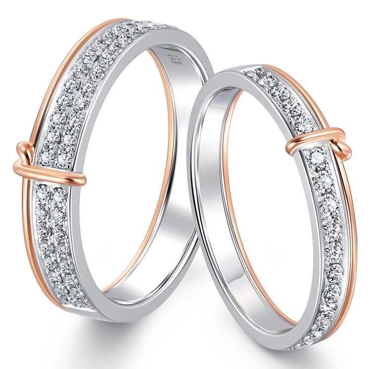 PROMESSA「同心結」18K白金玫瑰金雙色鑽石對戒╱男戒41,500元;女戒33,600元。(圖╱點睛品提供)