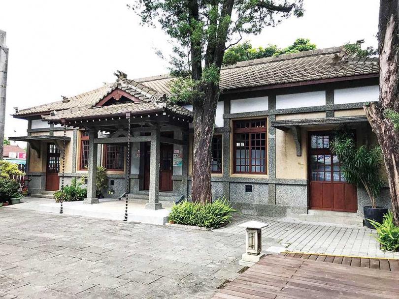 置身「鍾肇政文學生活園區」的日式建築中,時間彷彿停止流動。(圖/于魯光攝)
