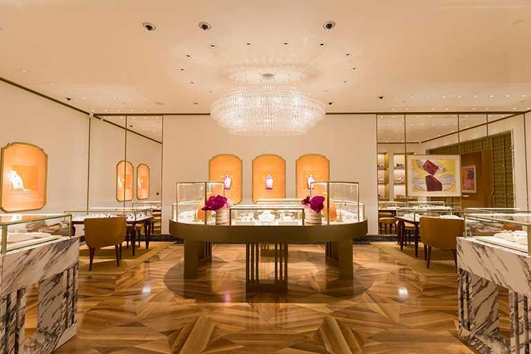 於晶華酒店全新開幕的BVLGARI「Peter Marino」形象概念店,打造義式明亮活力氛圍。(圖╱BVLGARI提供)
