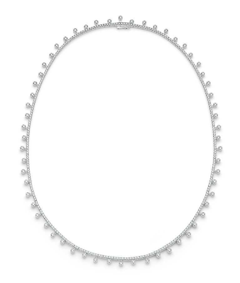 DE BEERS「Dewdrop」白金鑽石項鍊╱690,00元。(圖╱DE BEERS提供)