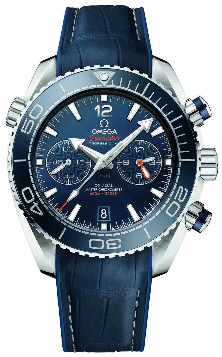 OMEGA「Seamaster Planet Ocean」600米大師天文台計時碼錶,精鋼錶殼,橡膠錶帶,9900型同軸擒縱自動上鏈機芯,45.5mm╱262,000元。(圖╱OMEGA提供)