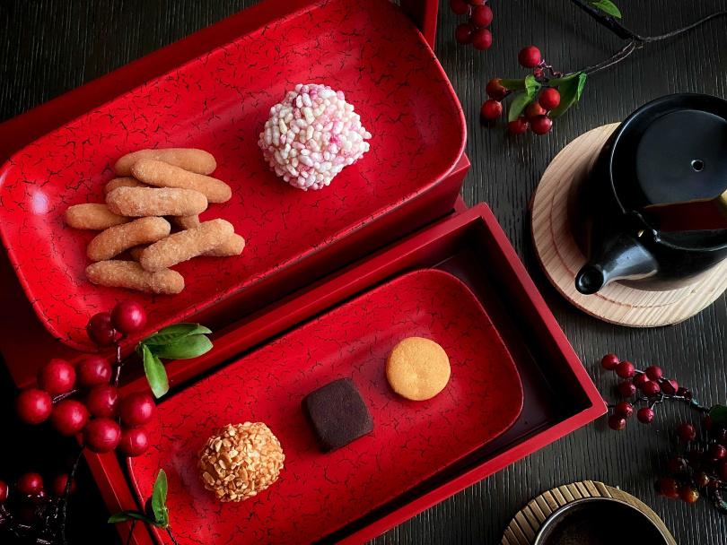 「怡賀新歲」牛年春節限定下午茶。(圖/台北國泰萬怡酒店提供)