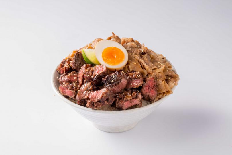 「爆汁牛肋條丼」搭配鮮嫩十足的「雪花牛」,讓人食指大動!