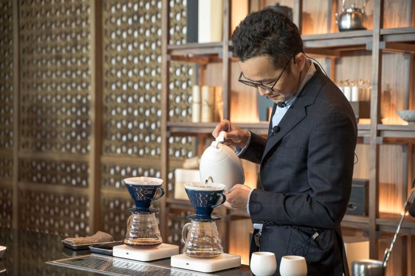 「REC COFFEE」社長北添修日前特地抵台,把關旗艦店各項細節。(圖/REC COFFEE提供)