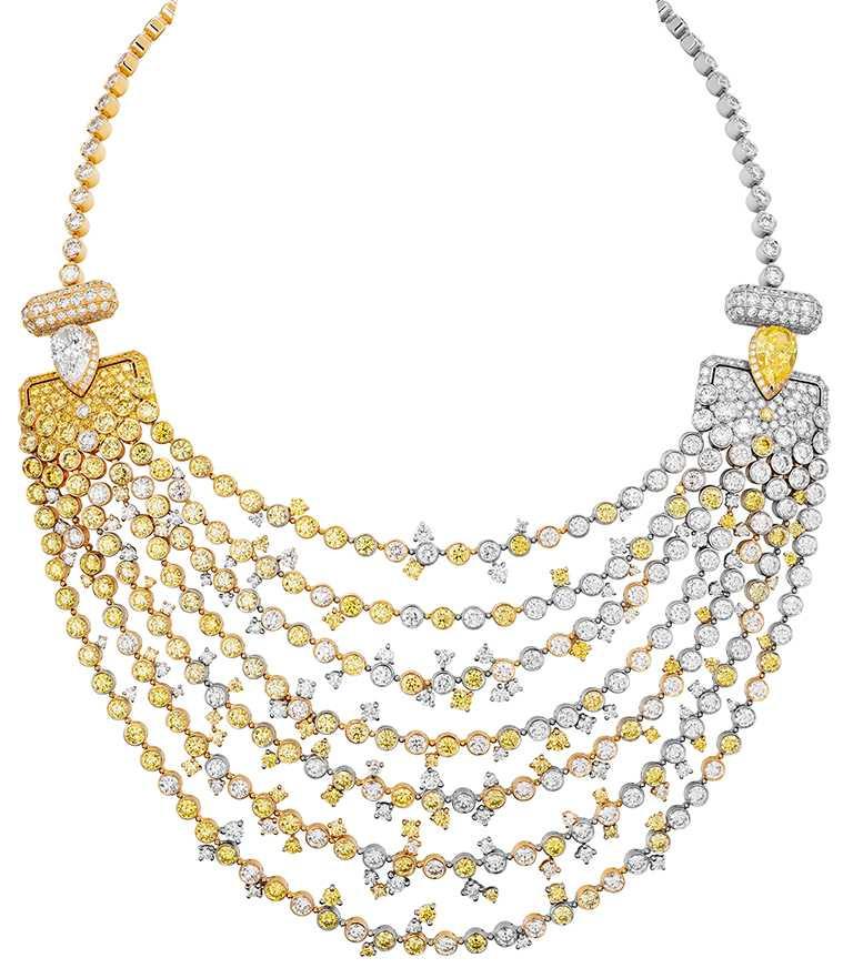CHANEL「N°5」系列頂級珠寶,「N°5 Abstraction」項鍊,18K黃金及鉑金鑲嵌鑽石及黃鑽,包含1顆重約4.10克拉FVY-VS1梨形切割黃鑽、及1顆重約3.31克拉D-IF梨形切割鑽石╱價格未定。(圖╱CHANEL提供)