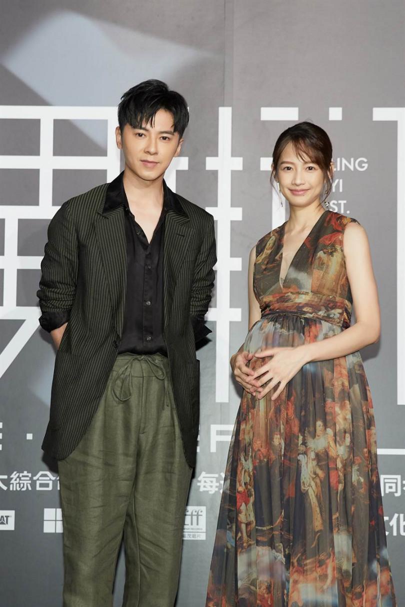 簡嫚書(右)拍戲懷孕都沒說,李國毅快嚇壞。(Line提供)