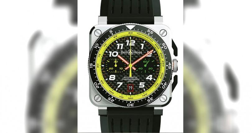 BELL & ROSS BR 03-94 R.S.19,錶殼:不鏽鋼材質/錶徑42mm/碳纖維錶盤,機芯:301自動上鍊/振頻每小時28,800次/儲能42小時,功能:小三針/日期/計時,防水:100米,其他:限量999只,定價:220,000元。