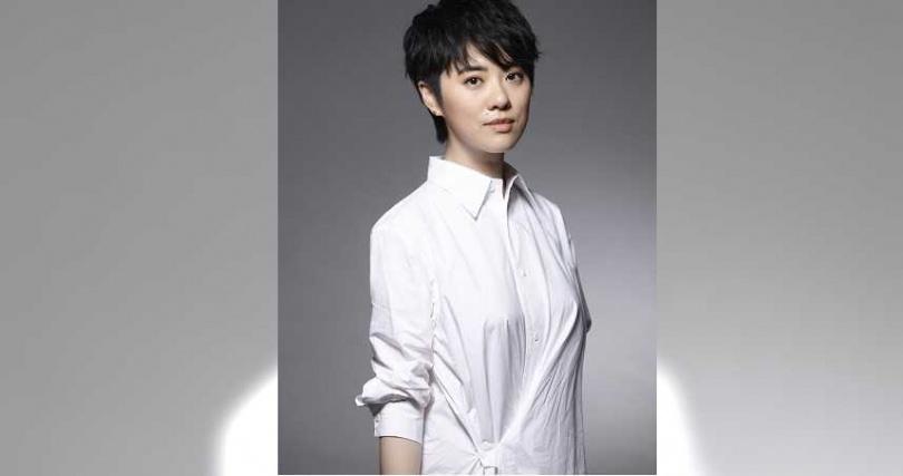 實力派歌手岑寧兒為《愛的廣義相對論》重現鄧麗君的〈我只在乎你〉。(圖/福斯傳媒)