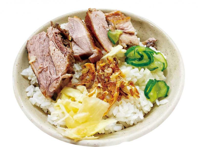 隱藏版「鴨肉飯」澆上鴨油使油蔥更香,愈吃愈順口。(50元碗)(圖/高靜玉攝)