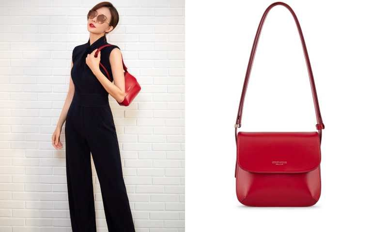 Giorgio Armani la prima包款 #烈焰紅small size/69,800元。(圖/品牌提供)