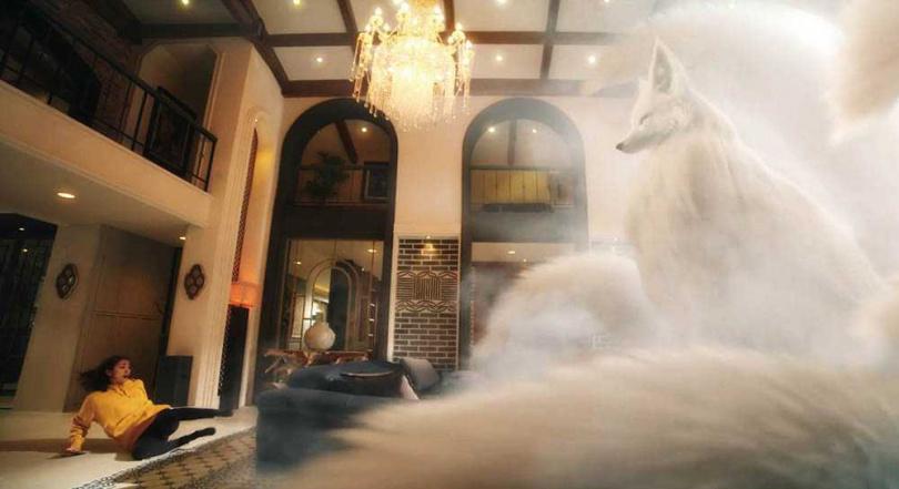 劇中惠利不小心將狐狸珠吞下肚,在找到方法取出前,只能先與九尾狐同居。(圖/愛奇藝國際站提供)