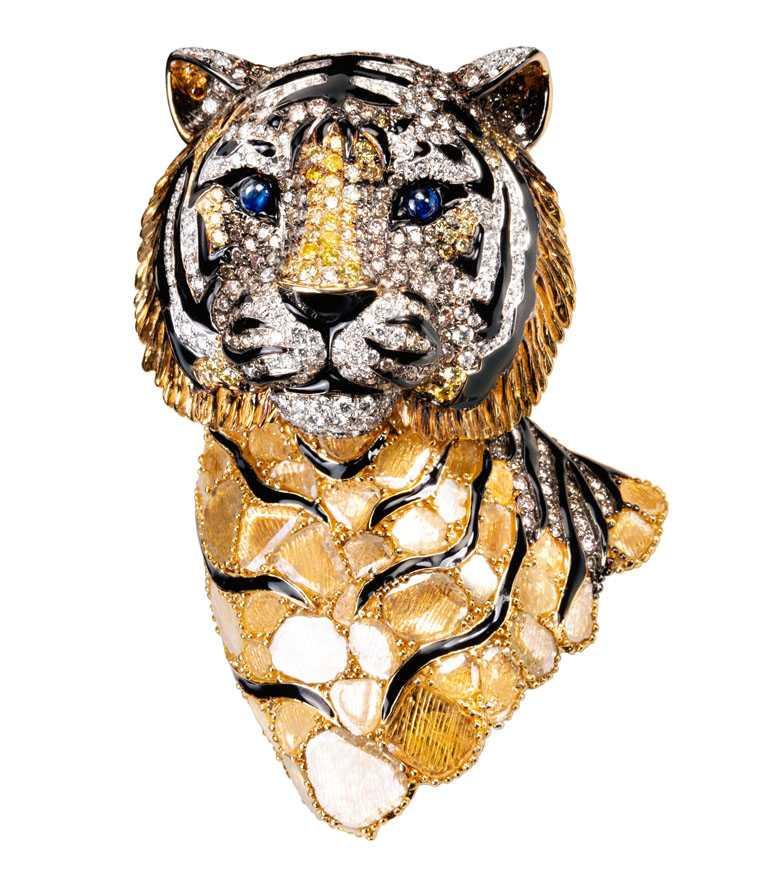 JHENG Jewellery「極致鑽片系列」虎╱1,122,000元。(圖╱JHENG Jewellery提供)