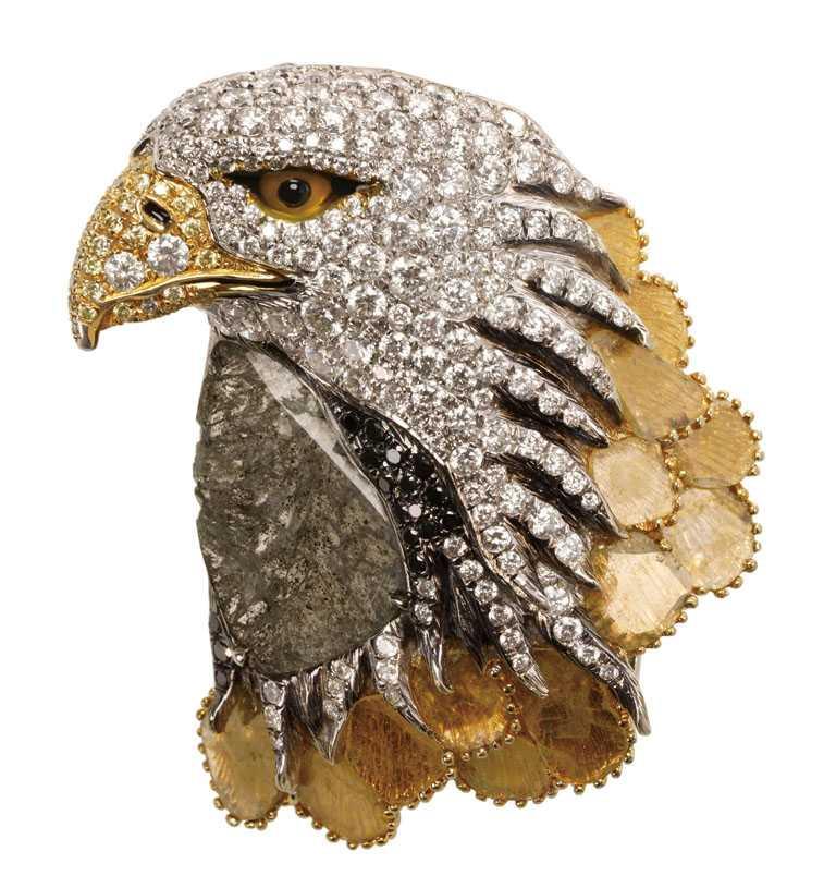 JHENG Jewellery「極致鑽片系列」鷹╱869,000元。(圖╱JHENG Jewellery提供)