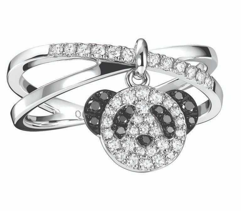 Qeelin「Petite Classic Bo Bo系列」18K白金鑲鑽和黑鑽石,熊貓戒指╱68,800元。(圖╱Qeelin提供)