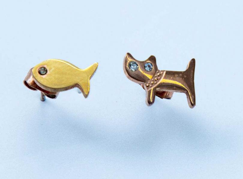 傑克生前送安妮貓咪耳環,是她最珍貴且充滿回憶的飾品。(攝影/莊立人)