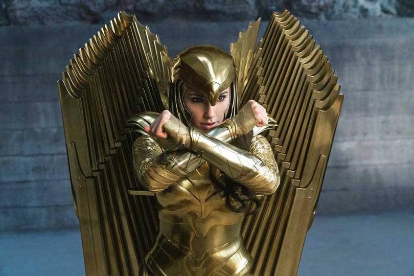 《神力女超人1984》中蓋兒加朵的全新戰甲,令粉絲看了相當興奮。(圖/華納兄弟提供)