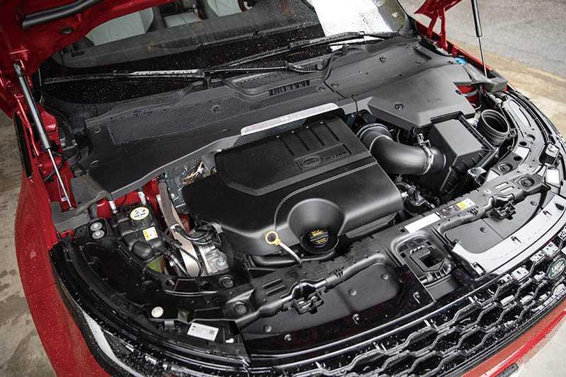 搭載2.0升渦輪增壓引擎,可輸出249匹最大馬力與32.7公斤米最大扭力。(圖/張文玠攝)